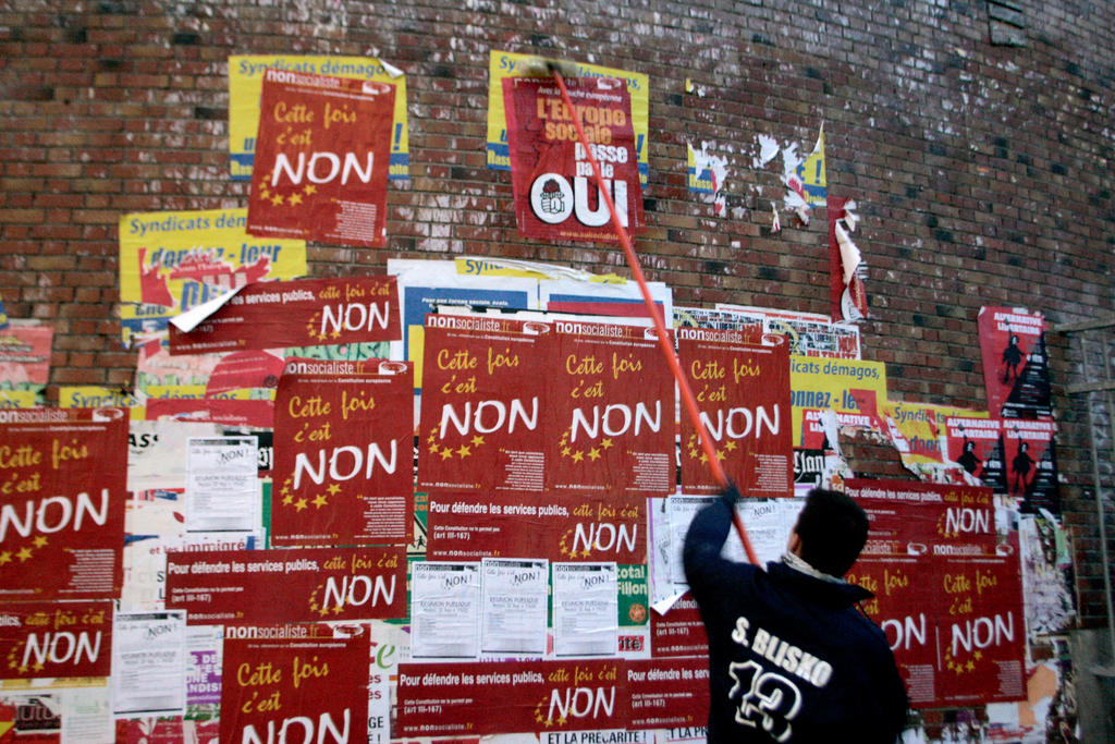 Posters put up by a Socialist Party campaigner calling for a 'Yes' vote in the referendum on the European Constitution (Paris, 19 April 2005)