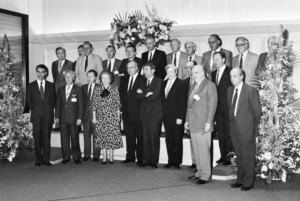 Group photo of the Hague European Council (The Hague, 26 and 27 June 1986)