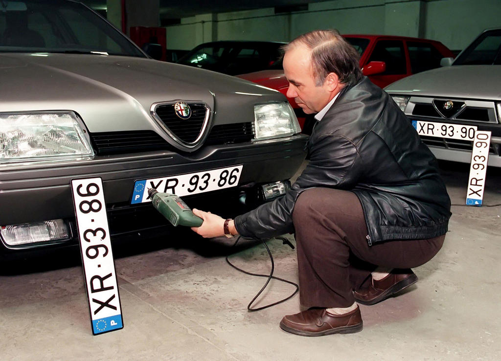 New Portuguese vehicle number plates (January 1992)