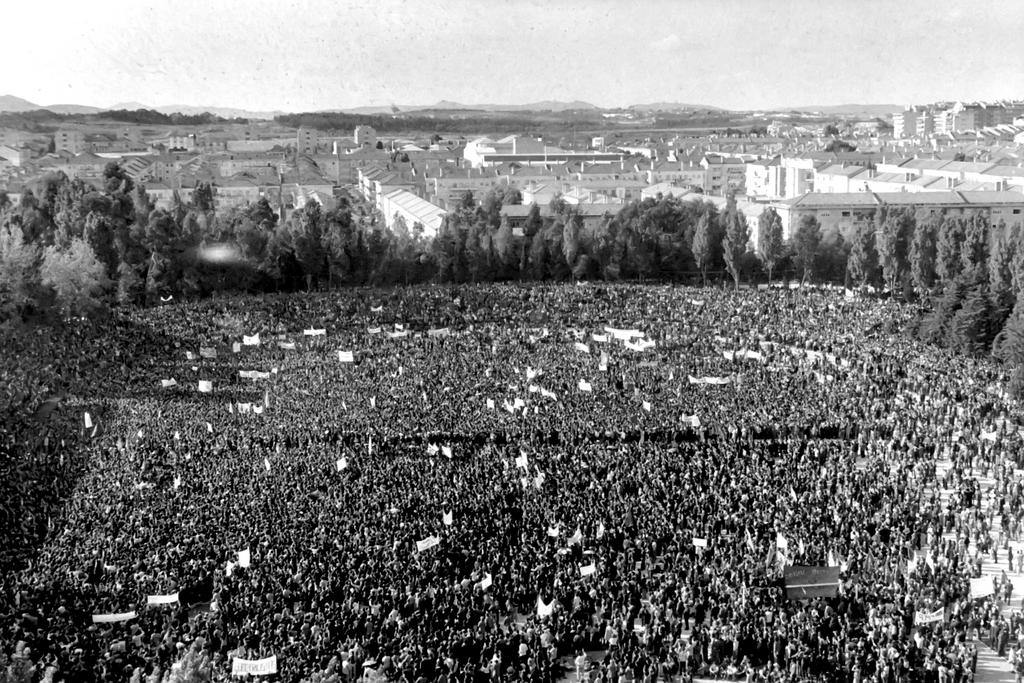 Portugal celebrates 1 May holiday following the overthrow of the Salazar dictatorship (1 May 1974)