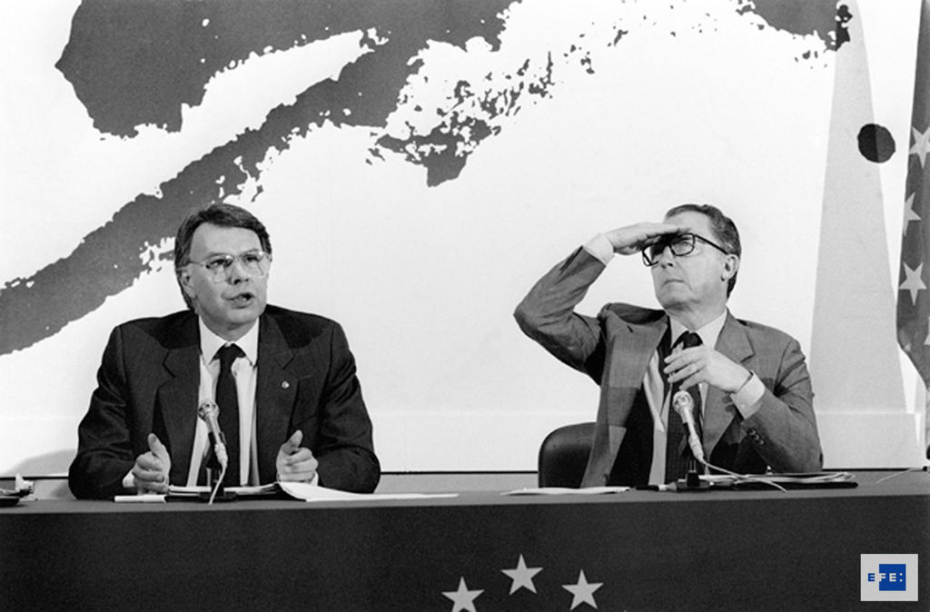 Press conference at the end of the first Spanish Presidency of the Council: Felipe González and Jacques Delors (Madrid, 27 June 1989)