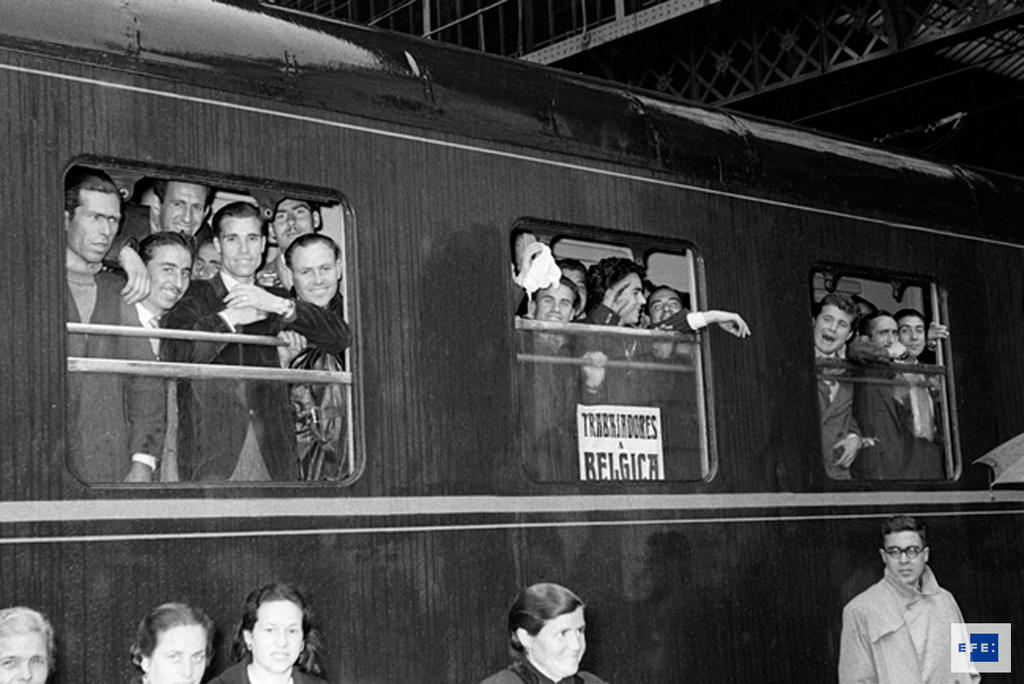 Departure of the first contingent of Spanish workers to Belgium (Madrid, 25 March 1957)