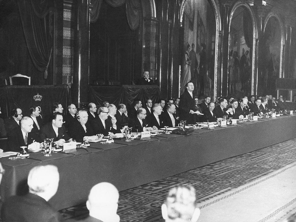 Inaugural meeting of the EEC and EAEC Councils (Brussels, 25 January 1958)