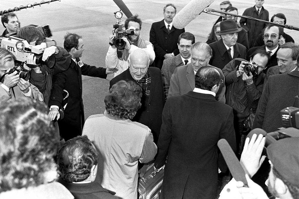 Arrival of the first Spanish and Portuguese MEPs in Strasbourg (2 January 1986)
