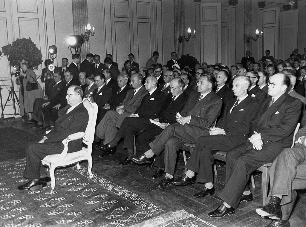 Inaugural session of the ECSC High Authority (Luxembourg, 10 August 1952)