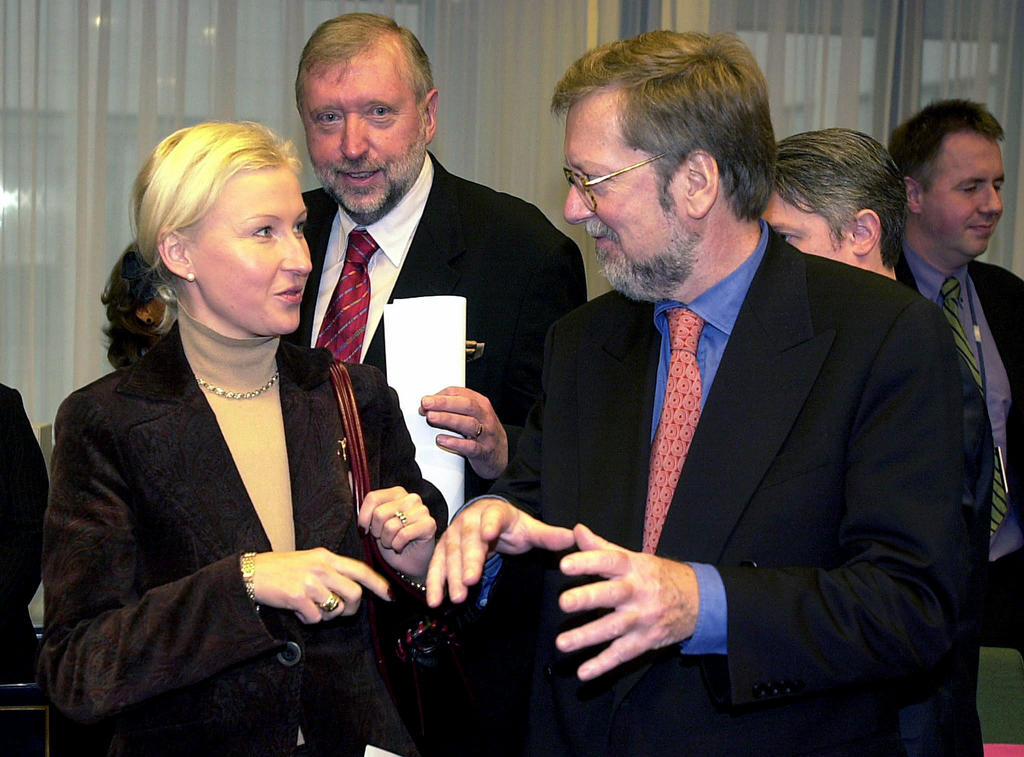 Kristiina Ojuland and Per Stig Moller at the General Affairs Council (Brussels, 18 November 2002)