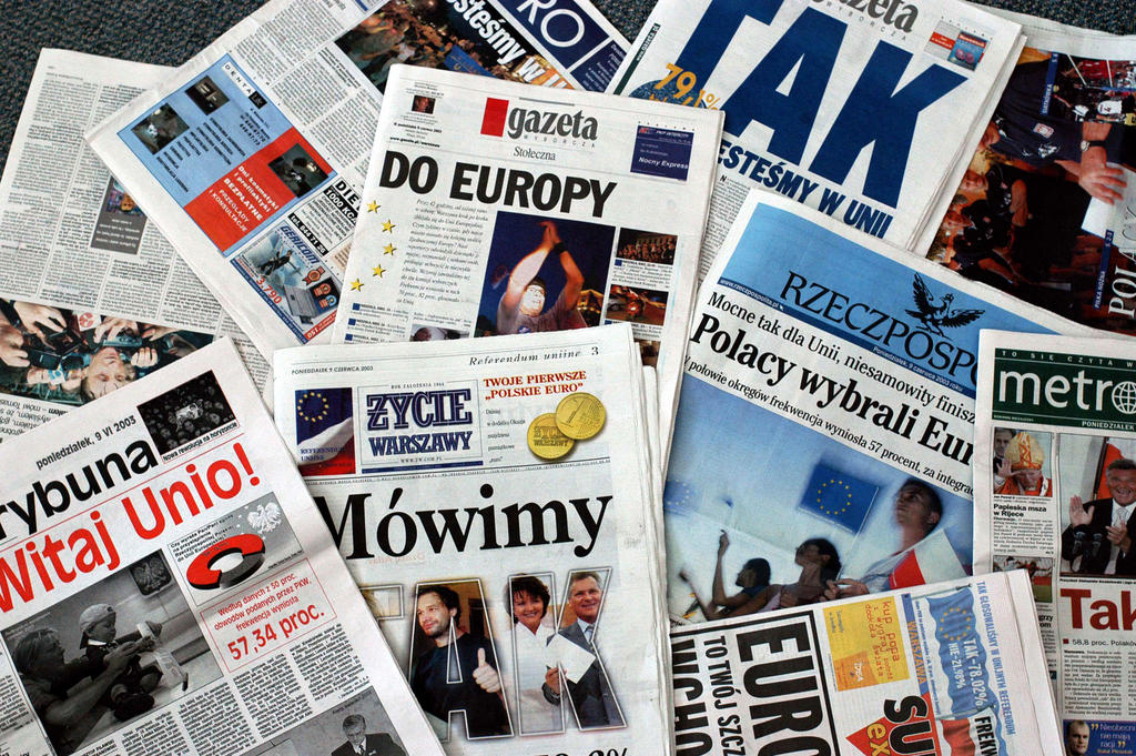 Reactions in the Polish press after the referendum on the country's accession to the EU (Warsaw, 9 June 2003)
