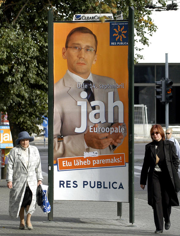 Poster during the Estonian election campaign (Tallinn, 12 September 2003)