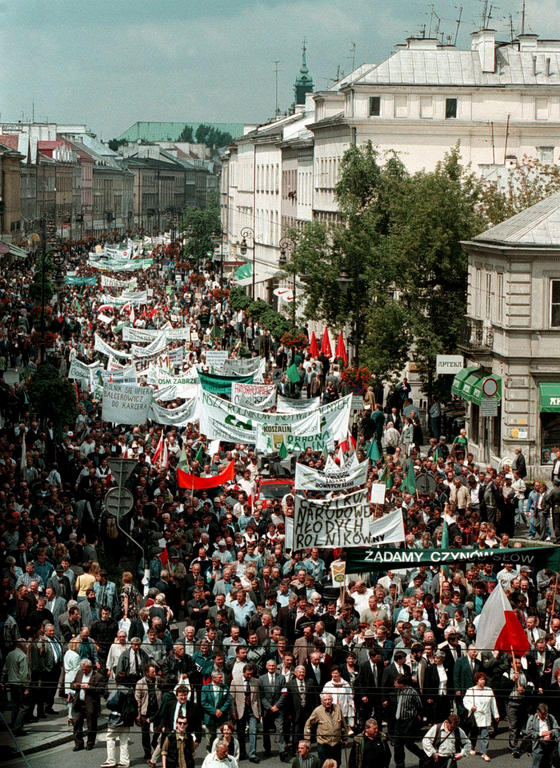 Demonstration by farmers in Poland (Warsaw, 10 July 1998)