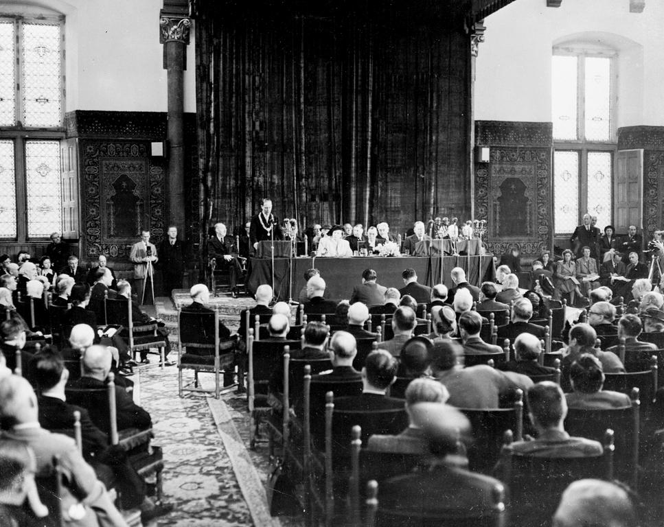 General view of the meeting room at the Hague Congress (7 May 1948)