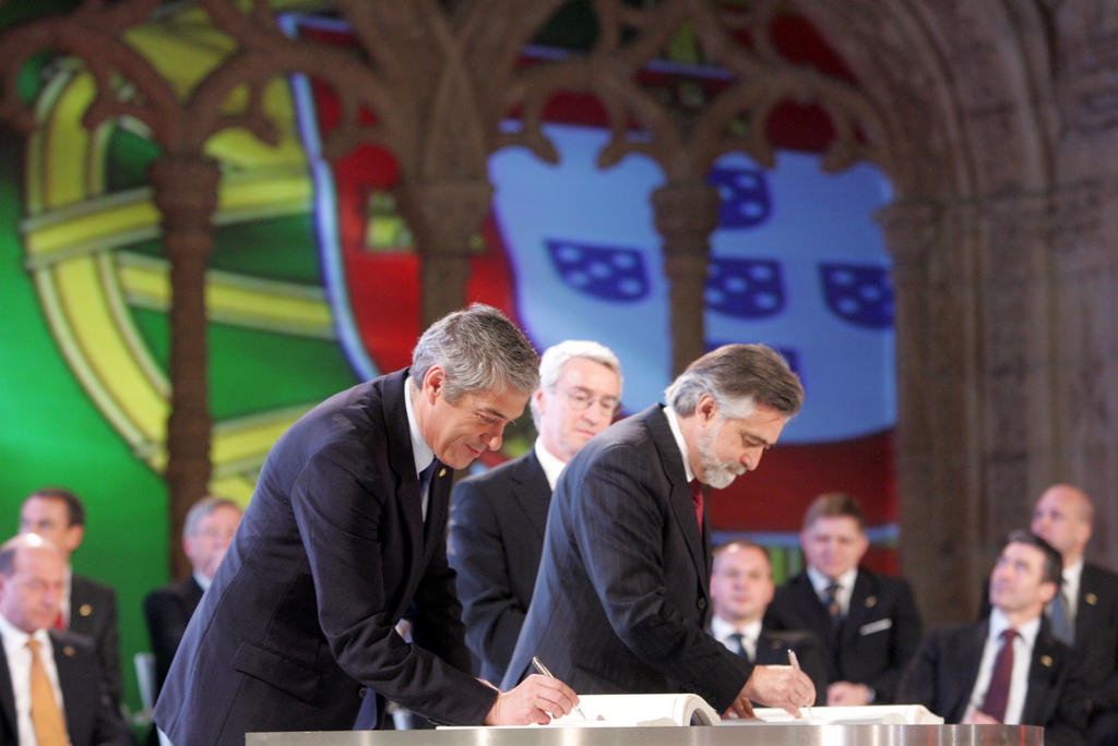 Signing of the Treaty of Lisbon by Portugal (13 December 2007)