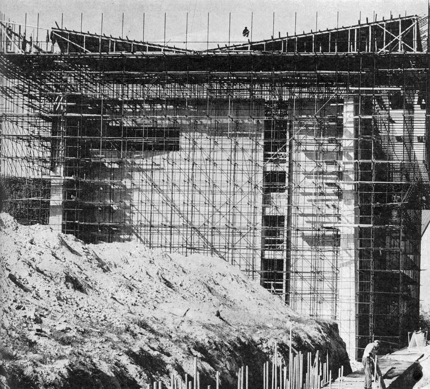 Construction of the ECO reactor in Ispra (1962)
