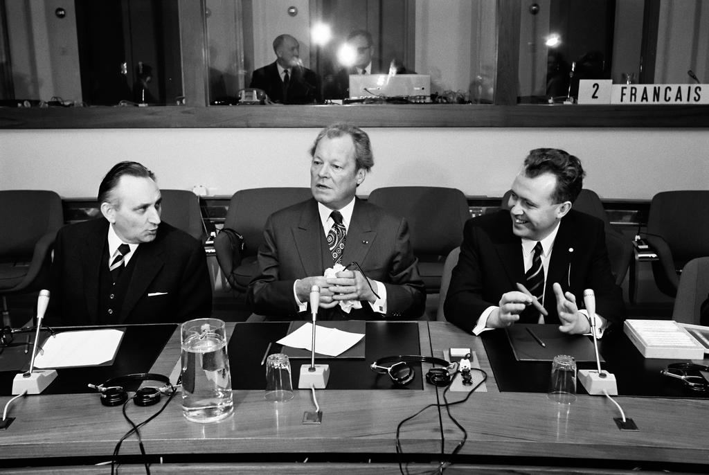 Egon Bahr, Willy Brandt and Hans Apel (Brussels, 7 February 1973)