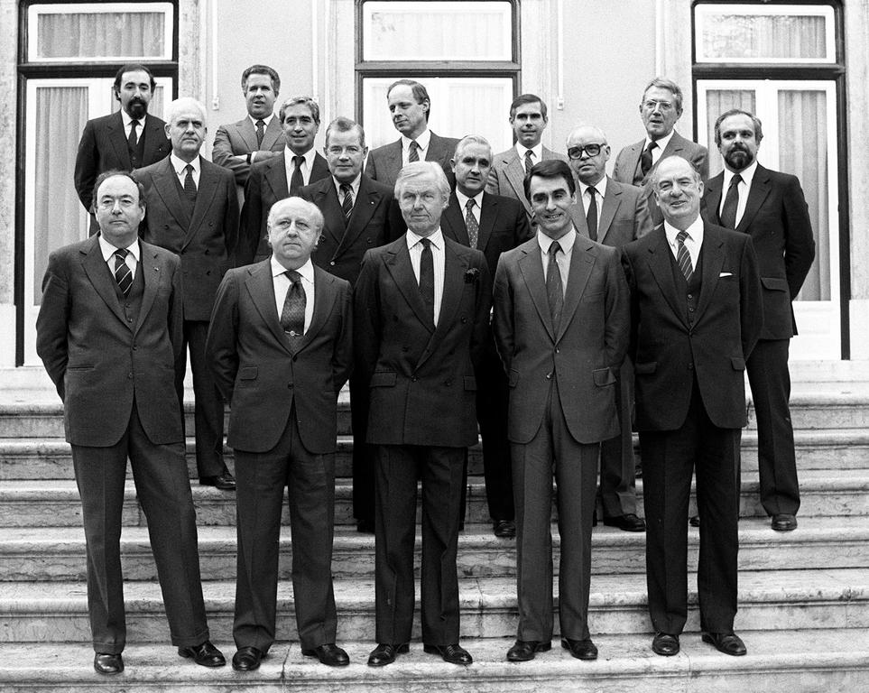Aníbal Cavaco Silva with the Ambassadors of the Member States of the EEC (Lisbon, 2 January 1986)