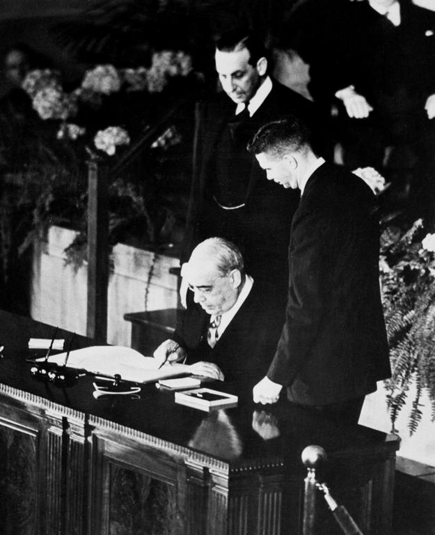 José Caeiro da Matta signing the North Atlantic Treaty (Washington, 4 April 1949)