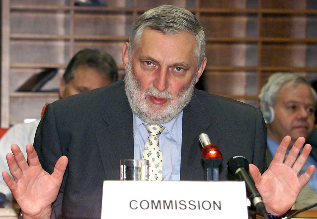 Franz Fischler after the negotiations for the reform of the CAP (Luxembourg, 26 June 2003)