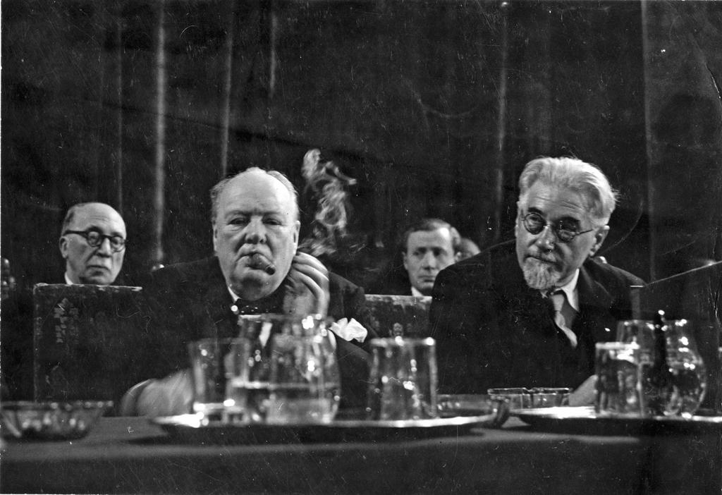 Winston Churchill and Paul Ramadier at the Congress of Europe in The Hague (The Hague, 7 May 1948)