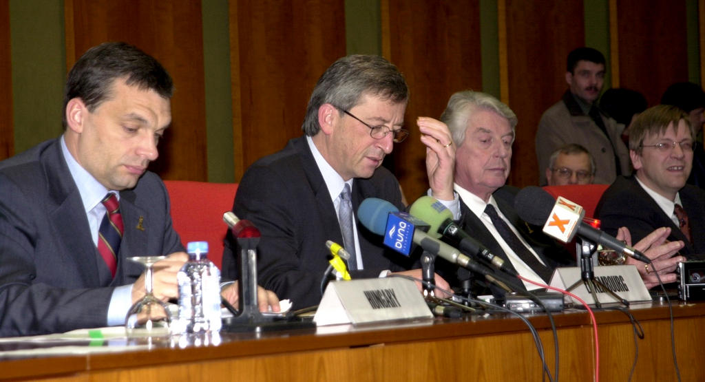 Press conference held following the Summit meeting between Benelux and the Visegrad Group (Luxembourg, 5 December 2001)