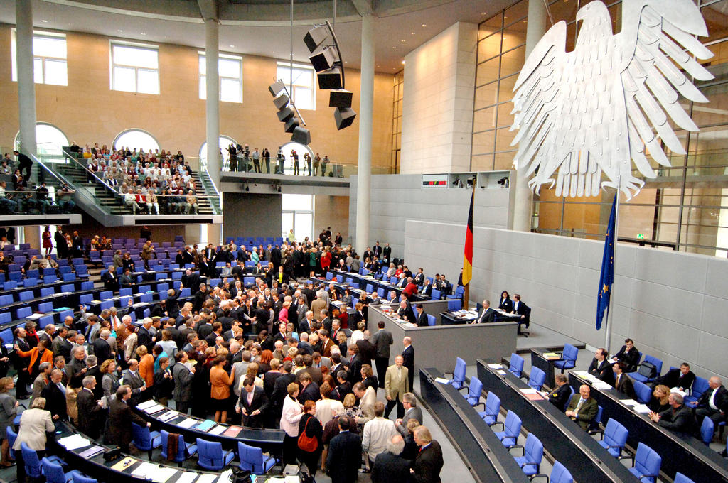 Vote du Bundestag sur le traité constitutionnel (Berlin, 12 mai 2005)