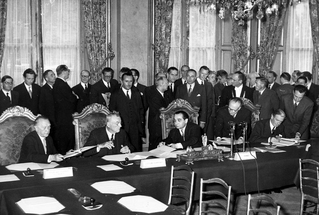 Signing of the Modified Brussels Treaty (Paris, 23 October 1954)