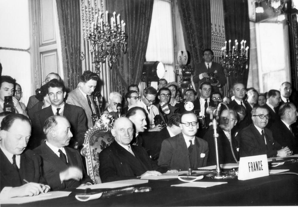 Signing of the ECSC Treaty: the French delegation (Paris, 18 April 1951)