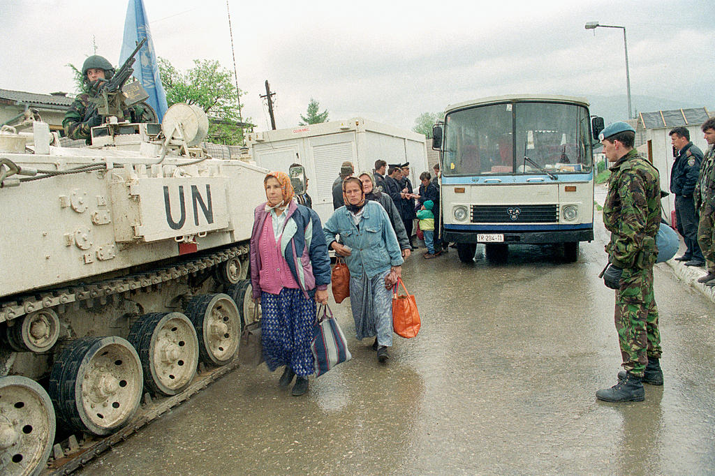 UNPROFOR checkpoint in Bosnia and Herzegovina (Stari Vitez, 1 May 1994)