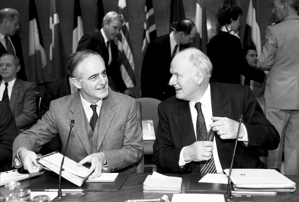 Joint meeting between the North Atlantic Council and the WEU Council (Brussels, 14 December 1993)