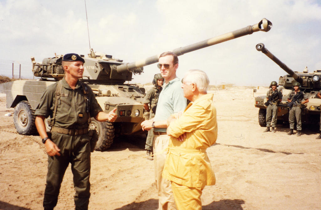 Robert Pontillon and Armand De Decker during WEU operations in the context of the Gulf War (1991)