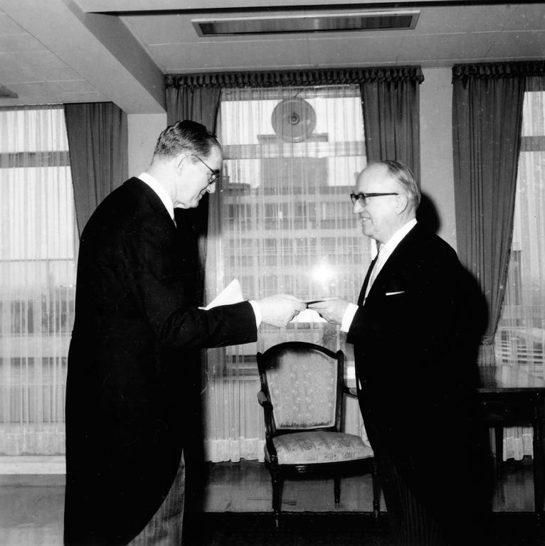 José Núñez Iglesias and Walter Hallstein (Brussels, 4 March 1965)