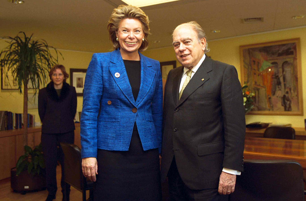 Viviane Reding and Jordi Pujol i Soley (Brussels, 6 March 2001)