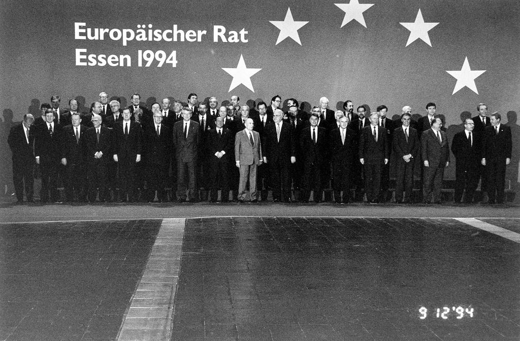 Group photo of the Essen European Council (Essen, 9 and 10 December 1994)