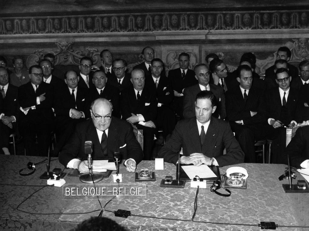 The Belgian Delegation signs the Rome Treaties (Rome, 25 March 1957)