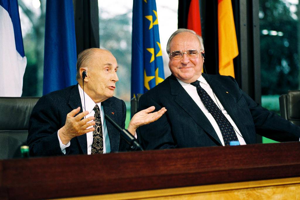 Sixty-fourth Franco-German summit: Press conference held by François Mitterrand and Helmut Kohl (Bonn, 30 November 1994)