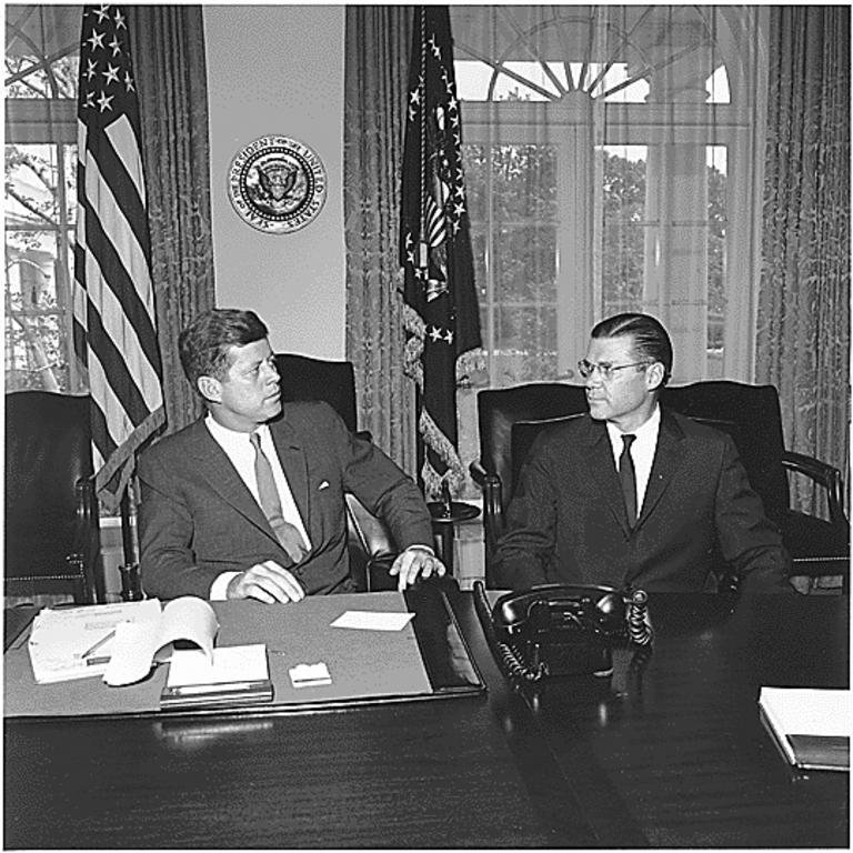 John F. Kennedy et Robert McNamara (Washington, 1962)