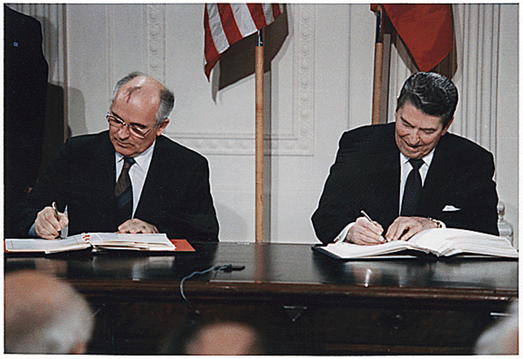 Signing of the Intermediate-Range Nuclear Forces Treaty (Washington, 8 December 1987)