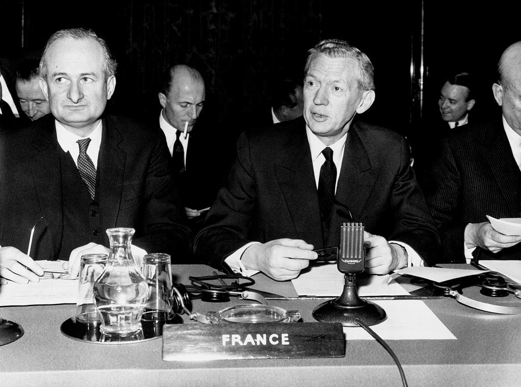 The French delegation at the meeting of the WEU Council of Ministers (London, 23 January 1964)