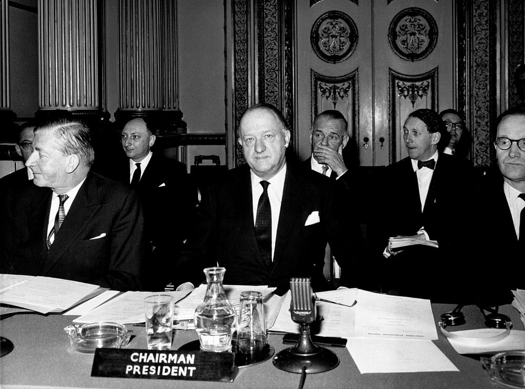 Maurice Iweins d'Eeckhoutte and Richard Austen Butler at the meeting of the WEU Council of Ministers (London, 23 January 1964)