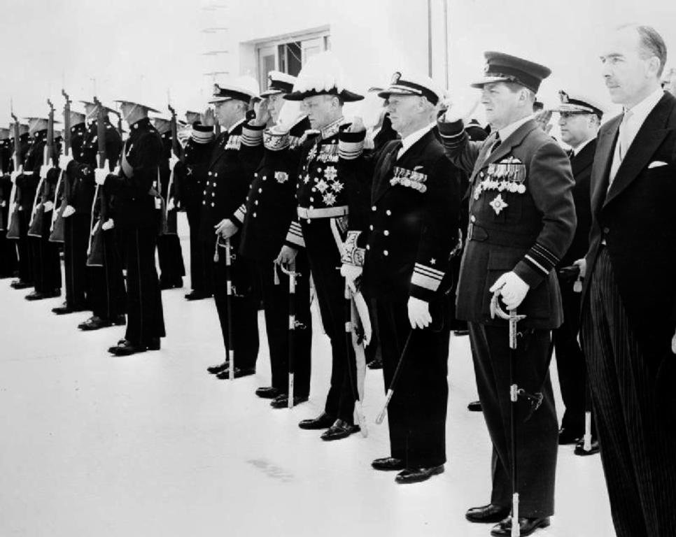 Ceremony to mark the fourth anniversary of the activation of the Allied Forces Mediterranean (Malta, 1957)