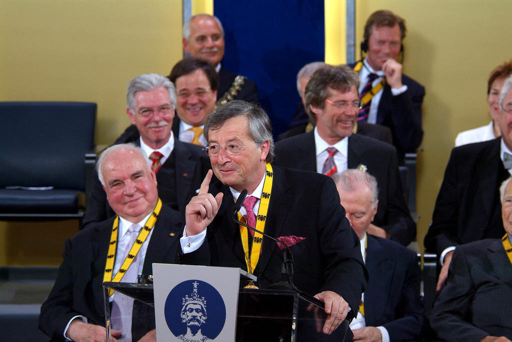 Jean-Claude Juncker at the award ceremony for the Charlemagne Prize (Aachen, 25 May 2006)