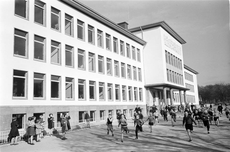 The playground at the European School of Luxembourg (1957)