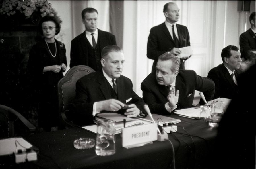 Pierre Werner and Christian Calmes at the second meeting of the Luxembourg Extraordinary Council (28 January 1966)