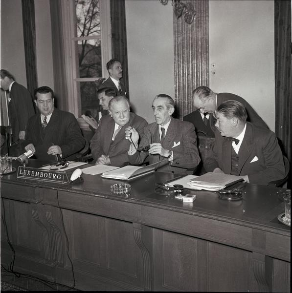 Joseph Bech and Michel Rasquin at the second meeting of the ECSC Special Council of Ministers (Luxembourg, 1 and 2 December 1952)
